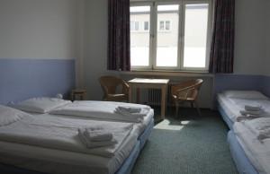 Vierbettzimmer mit Etagendusche/WC
