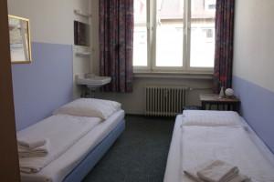 Zweibettzimmer mit Etagendusche/WC